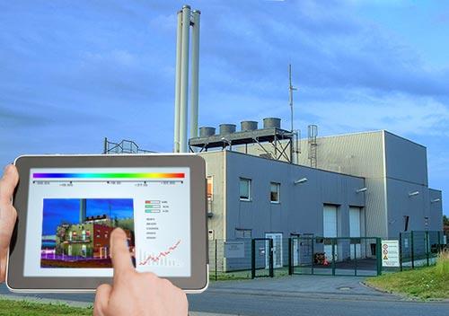 Energieaudit vor einem Gebäude eines Unternehmens