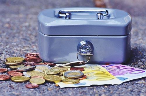 Metallkasse, Münzgeld und Scheine